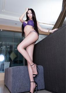 超薄絲襪美女Miki性感美腿(tui)誘惑