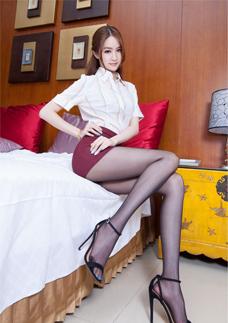 酒店美女腿(tui)模短裙(qun)黑(hei)絲美腿(tui)誘惑